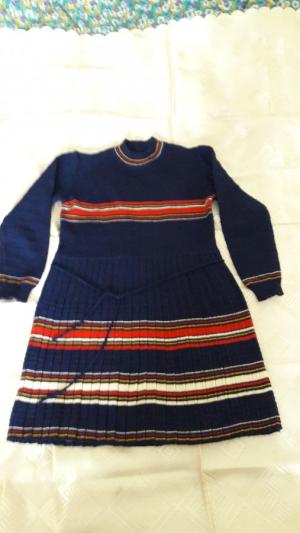Продам платье дев. р. 34-36