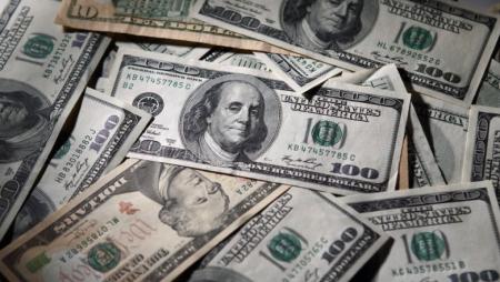 Доллар пытается расти после долгих потерь