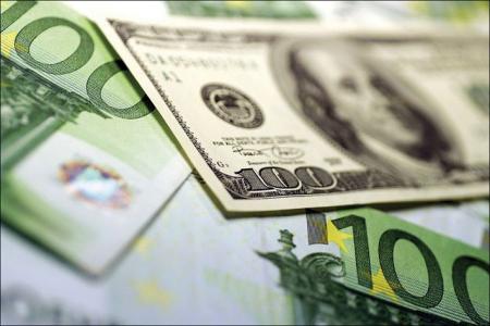 Доллар и евро дорожают после падения