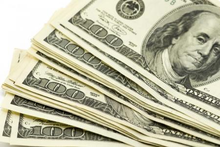 Доллар начинает дорожать, евро дешевеет, а у российского рубля все по-старому
