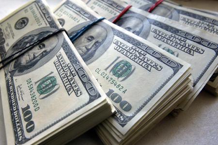 Доллар продолжил дешеветь