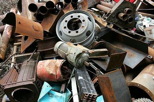 В Черикове задержан автомобиль перевозивший 1500 кг лома черного металла